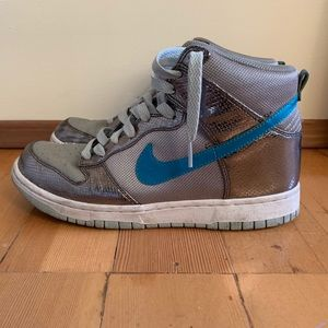 Nike Dunks Size 8 Silver Metallic and Blue